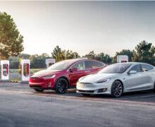 Tesla publie la mise à jour du logiciel de batterie après des incendies récents