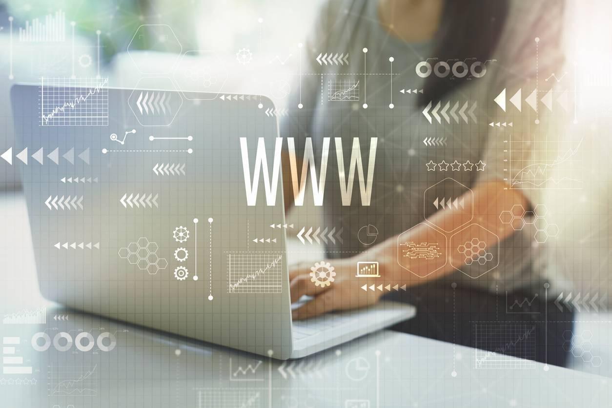 Choisir un nom de domaine fait partie des premières étapes pour créer un blog.