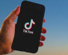 Comment poster des commentaires vides sur TikTok (et pourquoi c'est à la mode)