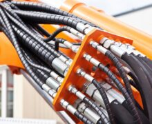 Zoom sur le flexible hydraulique dans la maintenance préventive